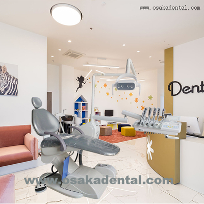 Sillón dental con lámpara LED con montaje superior